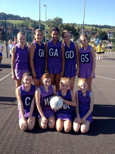 U13s High Wycombe Tournament 2012-13 The squad for the day back row left to right: Emily, Hanae, Amber, Holly, Becky Front row left to right: Izzy, Madz, Kate & Macey